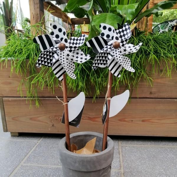 Windrad schwarz/weiß, versch. Größen
