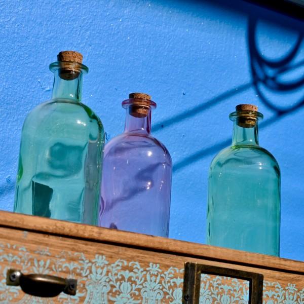 Deko-Glasflasche mit Korken, versch. Farben